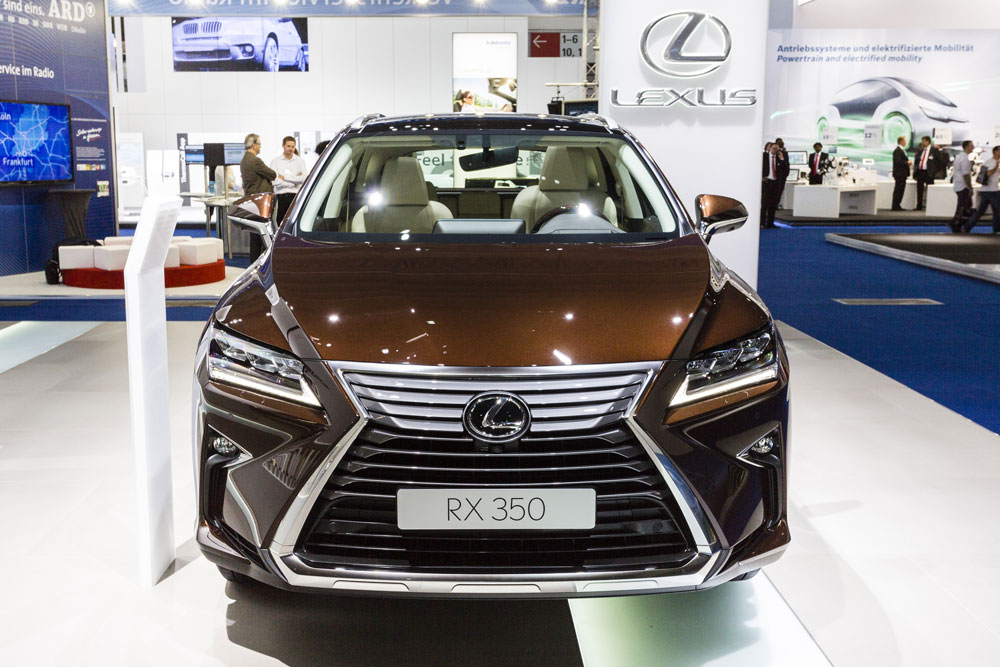 1000pxWhy-Lexus-Stands-Firm-On-Not-Moving-Production-To-China-Picture