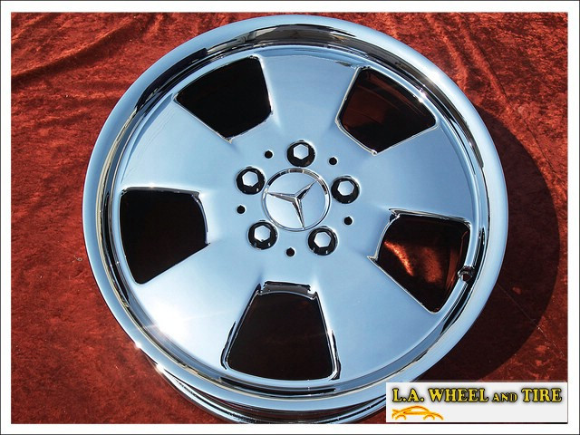 "Mercedes-Benz SL-class OEM 17"" Set of 4 Chrome Wheels"