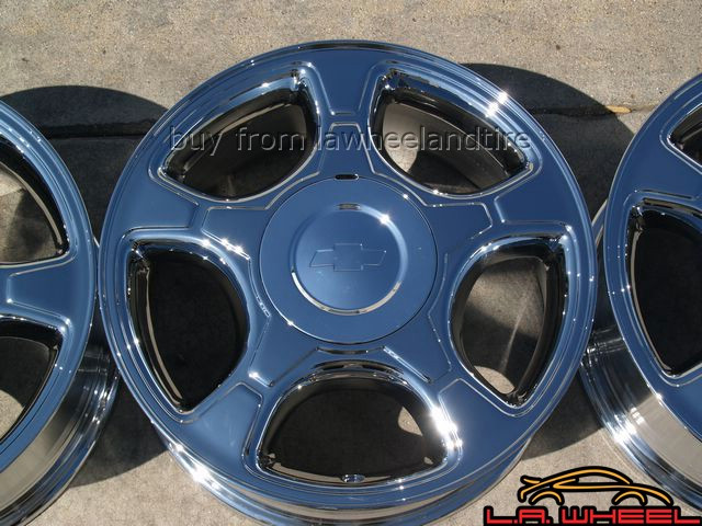 "Chevrolet Trailblazer OEM 17"" Set of 4 Chrome Wheels"
