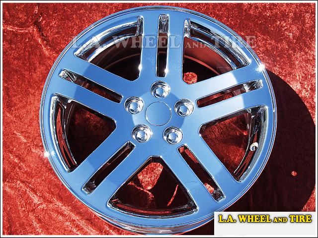 "Dodge Charger / Magnum OEM 18"" Set of 4 Chrome Wheels"