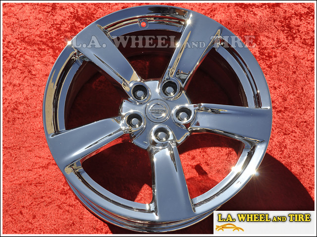 "Nissan 370Z OEM 18"" Set of 4 Chrome Wheels"