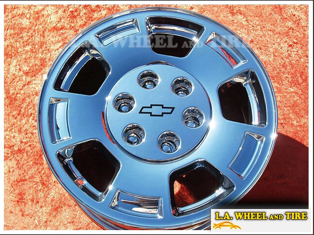 "Chevrolet Avalanche / Silverado 1500 / Suburban / Tahoe OEM 17"" Set of 4 Chrome Wheels"