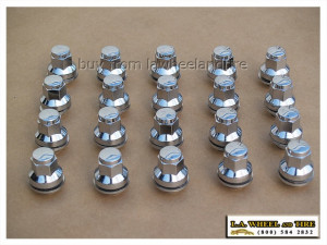 Set of 20 Jaguar Chrome Lugs 12 x 1.5 Mag Style LN3200