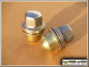 Set of 5 Land Rover Polished Lugs 16 x 1.5 X-Large Mag Style LN3550F